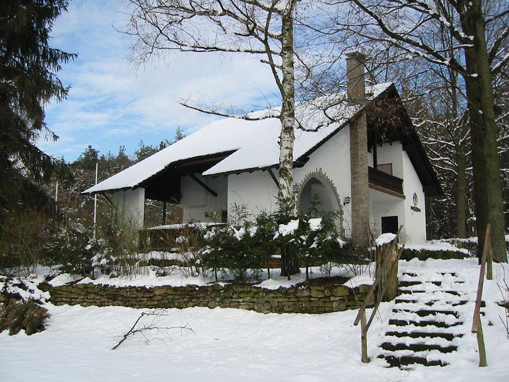 Vereinsheim_Schnee